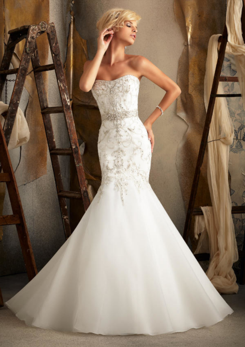 Famous design strapless corset bodice beaded crystals for Beaded wedding dress designers