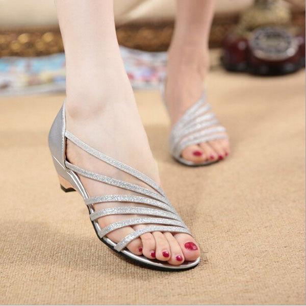 Лето стиль свободного покроя женщины сандалии кат-аутов лепнина женщины обувь плоский ...
