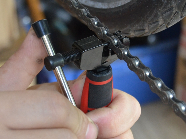 Mini Bicycle Bike Cycling Steel Cut Chain Splitter Cutter Breaker Repair Tool Two Tone Grip For Comfortable Handling(China (Mainland))