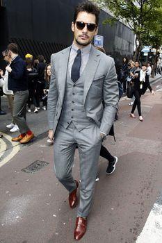 2015 новое поступление красивый пиджак мужчин с ( куртка + жилет + брюки ) дешево смокинг горячая распродажа мужские костюмы для великого формальный повод