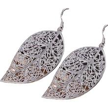 2016 New Fashion Fine Jewelry Simple Lifelike Hollow Metal Leaves Stud Earrings For Women(China (Mainland))
