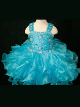 girl prom dress promotion