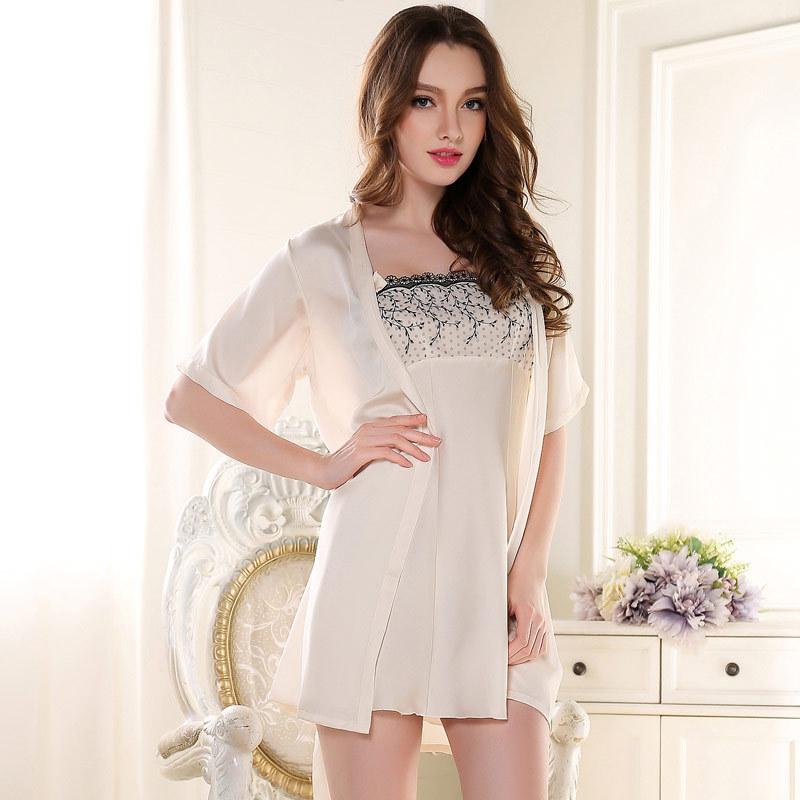 New Lace Sexy Nightgown/Sleepwear Robe Set Soft Silk Satin Robes Bathrobes+Nightgown Twinset Nightwear Pajamas Women 4 Colors(China (Mainland))