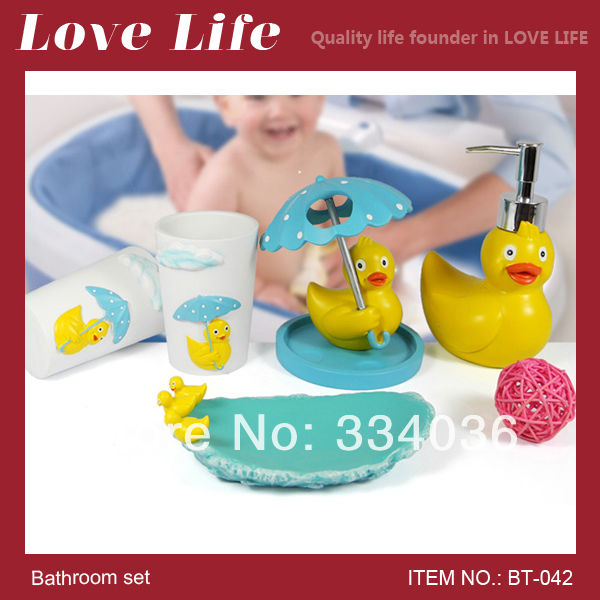 Free shipping!Lovely children or lover famliy resin bathroom products yellow duck bathroom bathroom accessories bath set BT-042(China (Mainland))