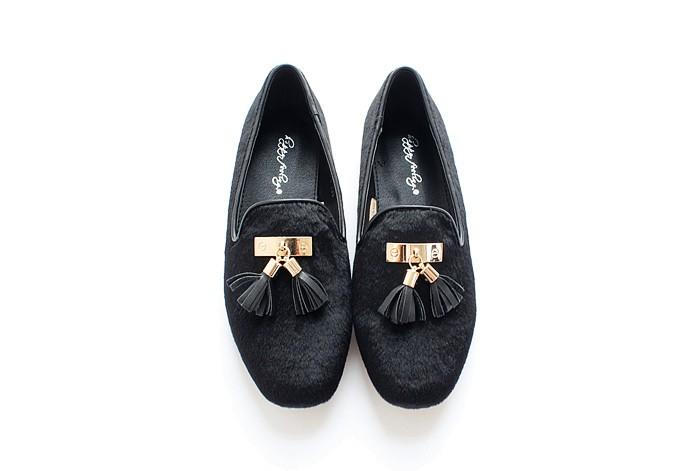 ซื้อ ร้อนขายที่มีคุณภาพสูงของผู้หญิงแบนรองเท้าเลียนแบบขนจี้r etroออกแบบรองเท้าแบนขี้เกียจรองเท้าสีเทา/สีดำsize56 ~ 7.5