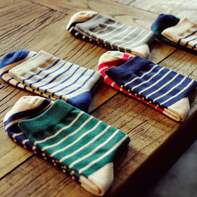 2015 новинка корейский мужские платья долго носки зеленый дешевые мужчины классический полосатые носки зима чистого хлопка бизнес носок
