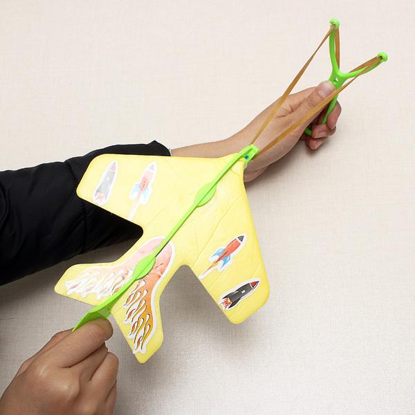 Freeshipping High-quality DIY Funny Childrens AirPlane Toys LED Slingshot Throwing Plane Flashing Toys For Kids(China (Mainland))