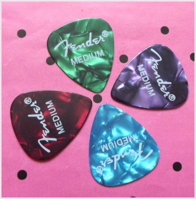 Free shipping hot sell 100pcs mix color guitar pick with logo printing 0.71mm