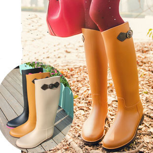 New fashion knee-high girl wellies brand female rubber in women riding boots waterproof rainboots gumboots PVC women rain boots(China (Mainland))