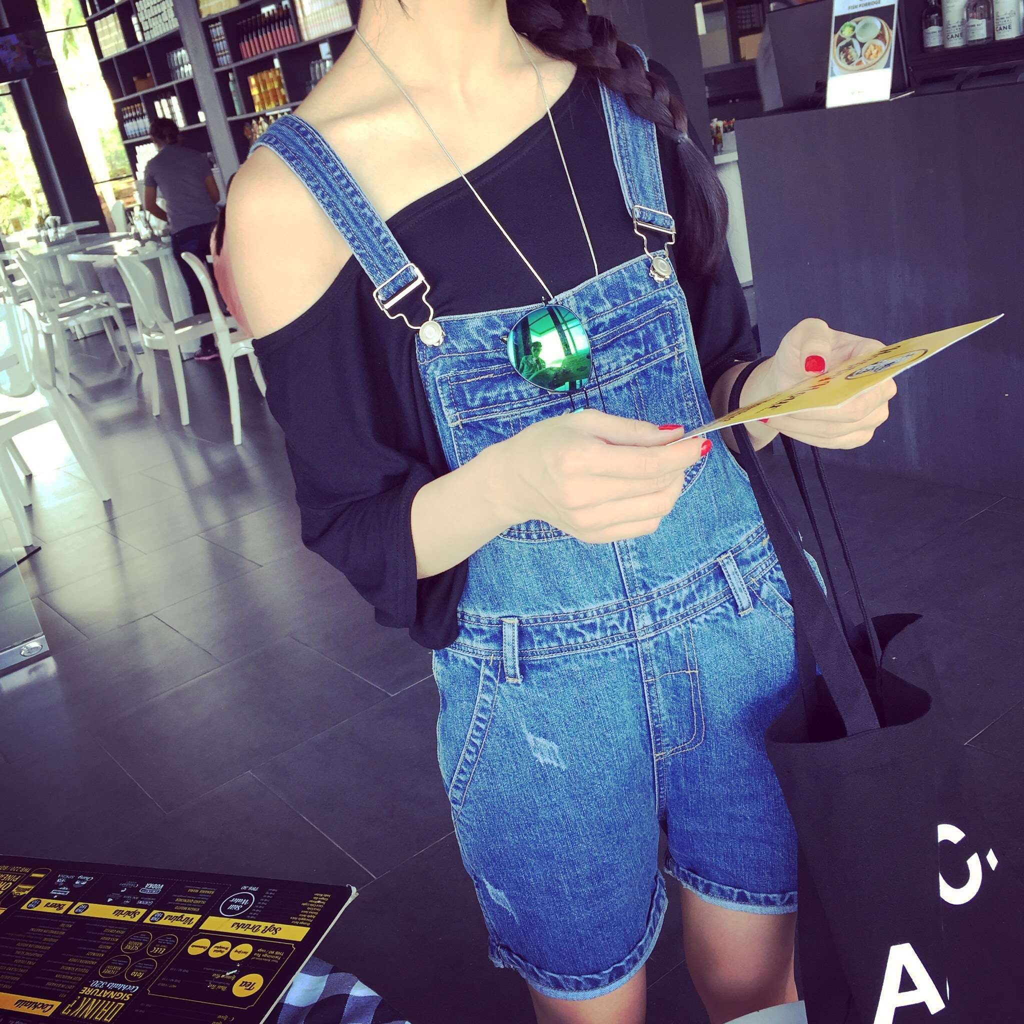 2016 spring and autumn new fashion personality all match scratch denim shorts with braces brim strap