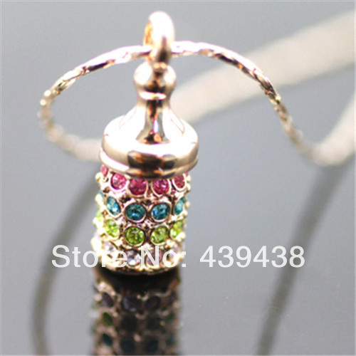 Free shipping necklaces & pendants fashion mini crystal drilling lucky full bottles short necklaces(China (Mainland))