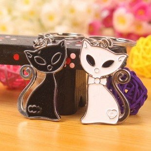 1pair diy creative novelty pendant lover couple cartoon animal cute cat black white fashion metal key ring keychains key finder(China (Mainland))