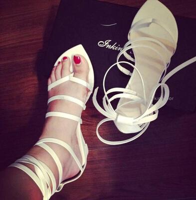 Здесь можно купить  New Rome Sexy Sweet Women Sandals & Flip Flops Cross-tieed Lace up Flats Shoes fashion ladies sandals comfortable shoes woman  Обувь