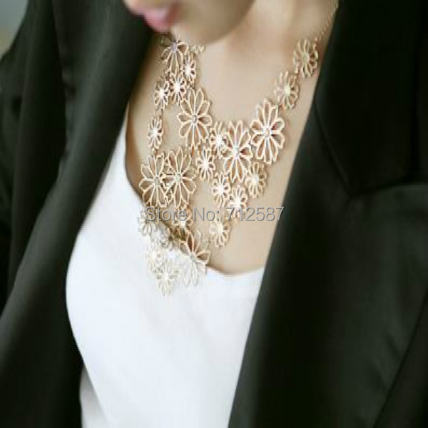 Fashion Jewelry Vintage Necklaces Multilayer Hollow Flowers Pendant Necklace Chain(China (Mainland))