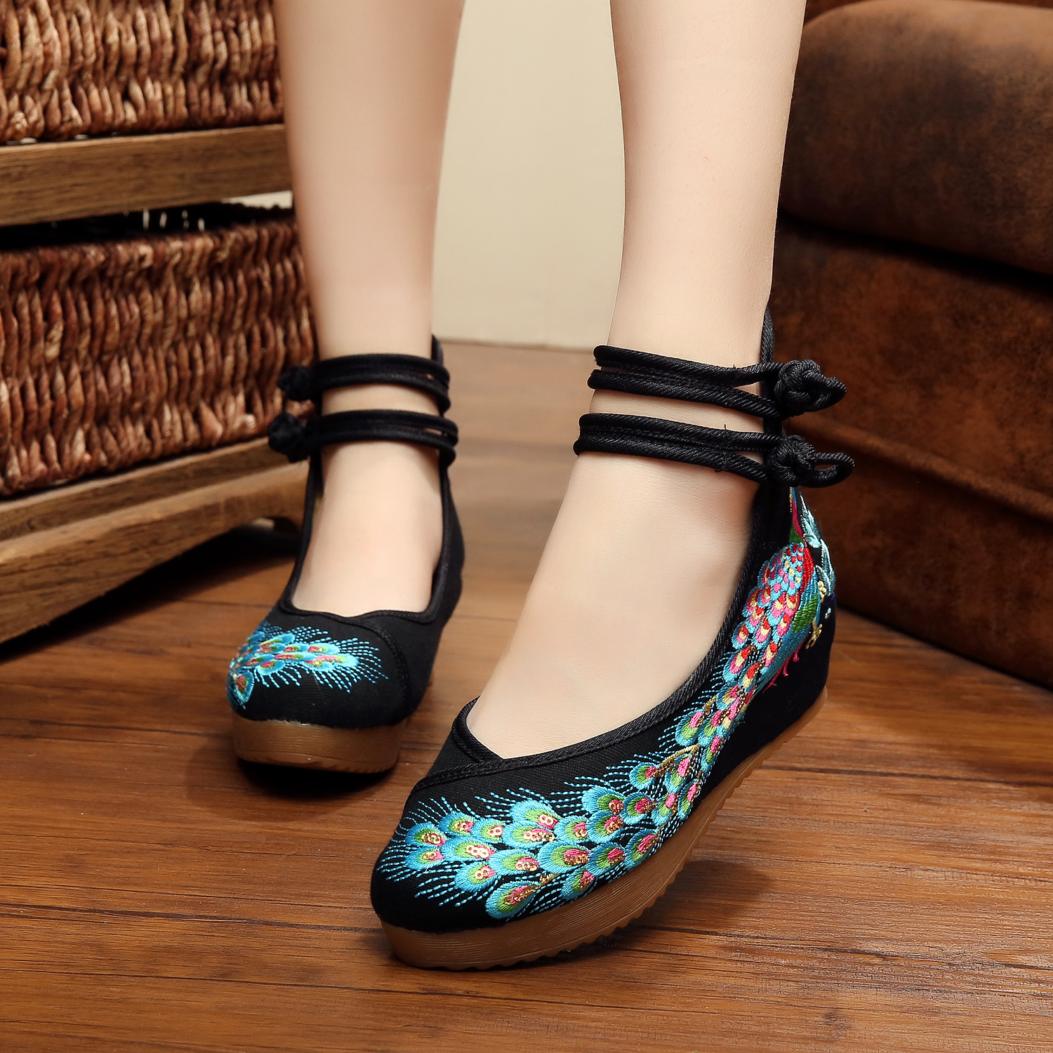 SMYXHX-0013 Big Size 41 Ballerinas Dancing Shoes Women Peking Peacock Embroidery Soft Sole Casual Shoes Cloth Walking Flats(China (Mainland))