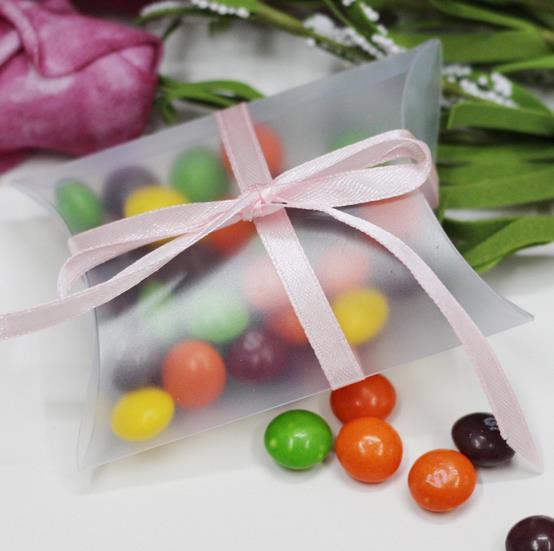 50pcs PVC Birthday Pillow Candy Box Wedding Favor Box wedding souvenirs decoracao casamento clear plastic candy box with ribbon(China (Mainland))