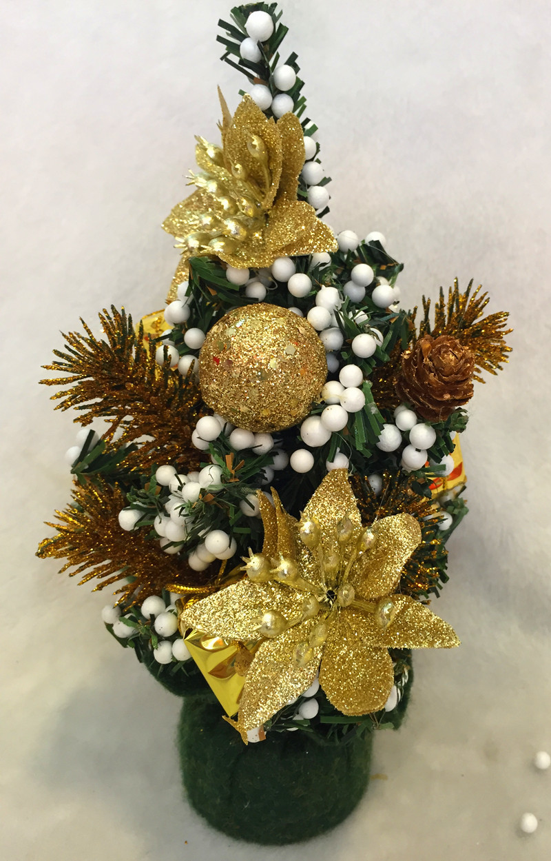 Tiny christmas tree ornaments - A Gold Christmas Tree Decoration Is Always Elegant In This Tree The Glitter Of Gold Is Simply Outstanding