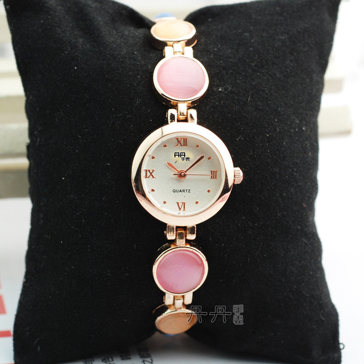 2015 Limited Quartz Women The New D2014 Watch Bracelet Daniel Watches Wholesale Manufacturers Selling All Kinds Of Accessories(China (Mainland))