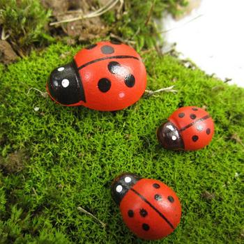 Cute 100 Pcs DIY Wooden Ladybird Ladybug Sticker Children Kids Painted Adhesive Back Craft Home Party Decorations