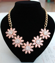 Resin Chrysanthemum Statement Necklace Women Chain Necklaces Pendants Summer Style Punk Jewelry For Gift Party