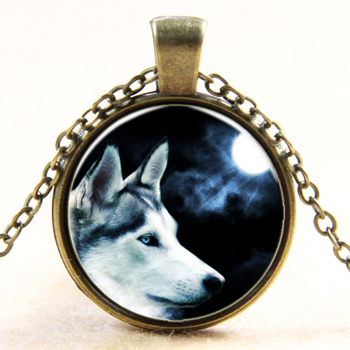 2015 New fashion European steampunk style moon shadow wolf retro glass dome art photo pendant long chain necklace jewelry item(China (Mainland))