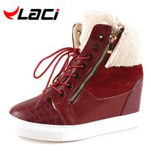 Laci 2016 de Invierno, Además de Terciopelo Caliente de Cuña de Las Mujeres Zapatos Casuales Aumento de la Altura Botas de Nieve Al Aire Libre A Prueba de agua Zapatos de Mujer Negro(China (Mainland))