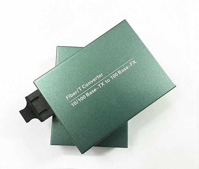 Single-mode Duplex Fiber 10/100Mbps Fiber Optical Media Converter Wavelenth 1310nm 20km RJ45 to SC Connector(China (Mainland))