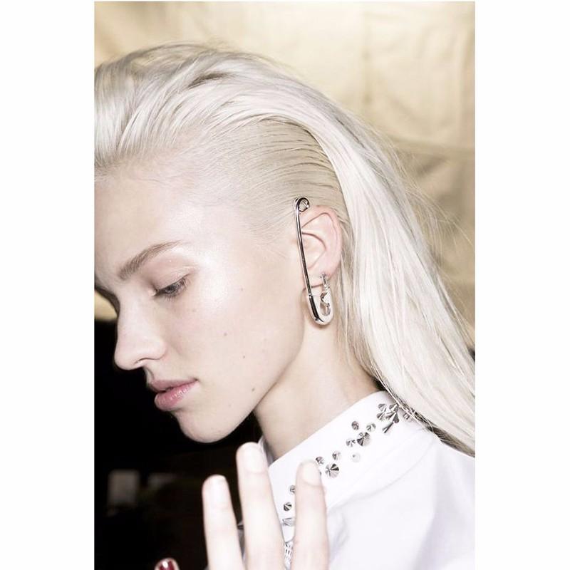 pin ear
