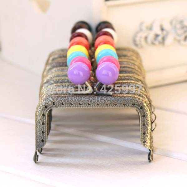 10pcs/lot 7.5CM square bronze knurling Small Candy bead Metal Purse frame,Metal-opening Bags Kiss Clasp FREESHIPPING(China (Mainland))