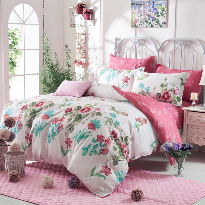 Microfiber sheets designer bedding floral comforters and for Bed quilt designer