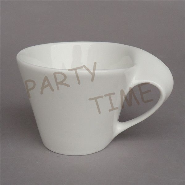 Porcelain coffee mug, ceramic white latte cup, icecream cup with special handgrip(China (Mainland))