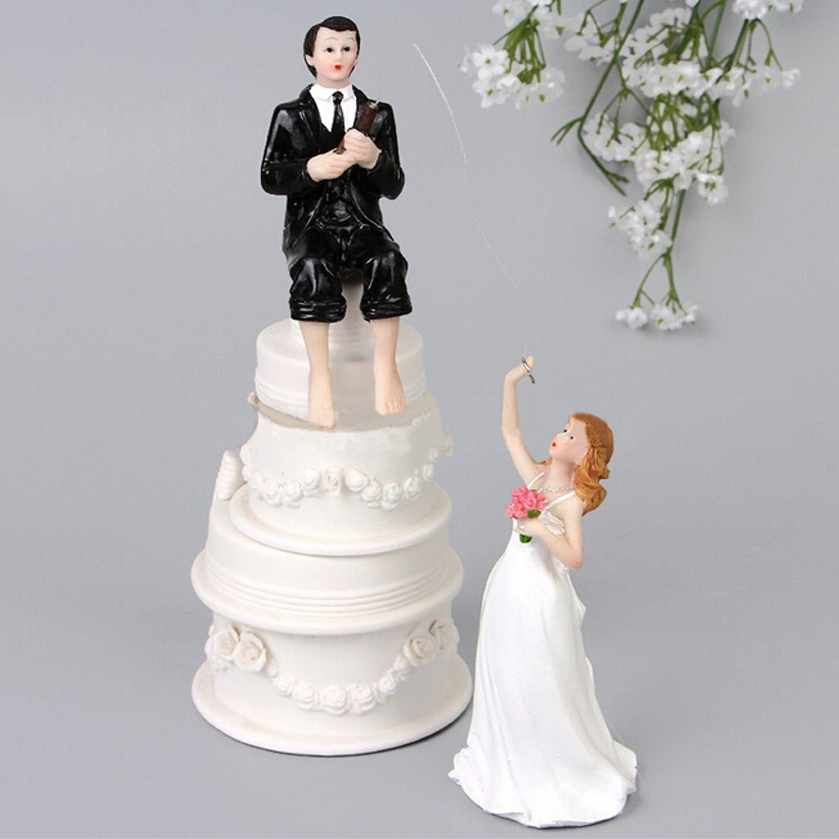 Couple Figurine Wedding Cake Topper Modern Style Resin Craft Bride And Groom Romantic Decoration Good Gift(China (Mainland))