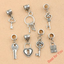 7pcs Mixed Tibetan Silver Tone Key Lock Love Dangle Beads European Charms Bracelet Jewelry DIY Jewelry Findings 7styles