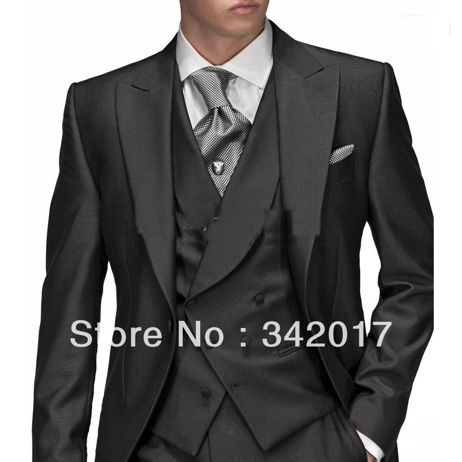 Design your own tailor made suit! Also offers tuxedos, dress coats, morning coats, frock coats and accessories.