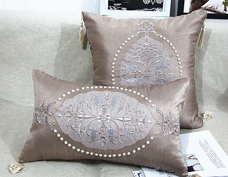 2015 handmade luxury bed cushion pearl beaded cushion for Luxury decorative throw pillows