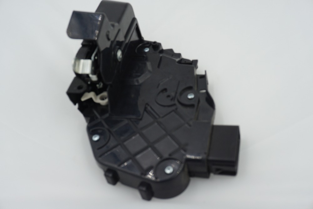 LR011275 front right 433 Mhz car door latch Mechanism for Evoque Freelander 2 Discovery 3/4 Range Rover Sport 05-09/10(China (Mainland))