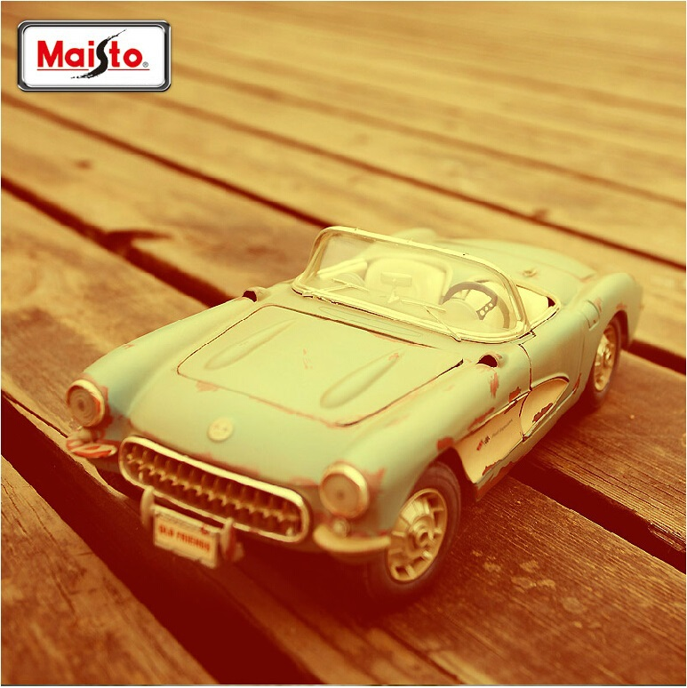 Maisto1:18 Chevrolet Corvette to do the old vintage car factory simulation model alloy car models Collection Gift(China (Mainland))