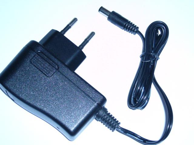 Free shopping 8.4 V 1 A 18650 lithium polymer battery charger DC:5.5*2.1mm EURO / US regulatory plug(China (Mainland))
