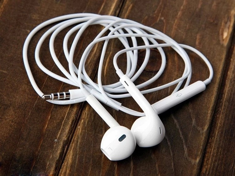 High Quality earphone headsets headphone for IPHONE 4 4s 5 5s 6 plus earbud fone de