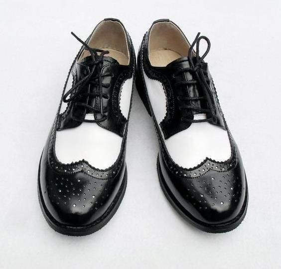 Black And White Oxfords. Moccasin Oxford B&W are stylish leather oxford shoes. Combining black and white, these classic casual dress shoes are perfect for use at office or party, to match almost any outfit.