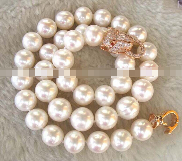 0001943 freshwater pearl white AA round leopard necklace 18 <br><br>Aliexpress