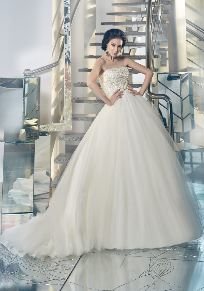 Sparkle stunning ball gown strapless high quality wedding for Add sparkle to wedding dress