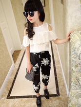 Summer 2016 Kids Fashion Girls Clothing Sets 2 pcs White Lace Blouse Top & Black Flowers Pants Set for Teenage Girls Clothes Set(China (Mainland))