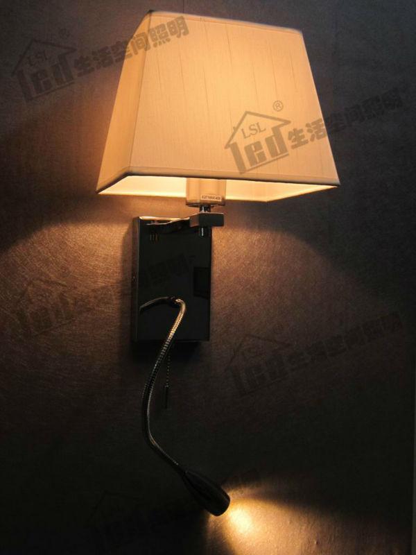 Acquista comodino lampada da lettura for Lampada da lettura