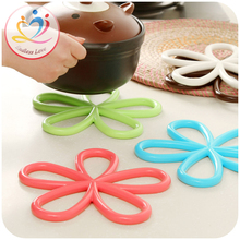 New Creative colorful flower Heat Resistant Mat Coaster Cushion Placemat Pot Holder Table Silicone Mat Kitchen Accessories