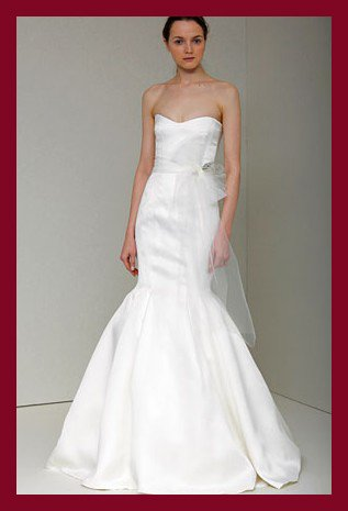 Free shipping online wholesale&retail satin wedding dress of Monique Lhuillie spring 2011 collection LYDIA(China (Mainland))
