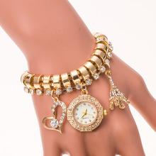 Mujeres de moda pulsera reloj de la alta calidad de la aleación colgante de ocio de transmisión del reloj del cuarzo 2015 nuevo producto