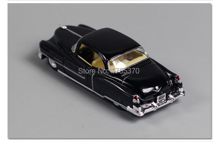 Kinsmart 1:43 Cadillac 1953 Wecker Beat-up Car Jalopy Alloy Model Toys For Children As Gift
