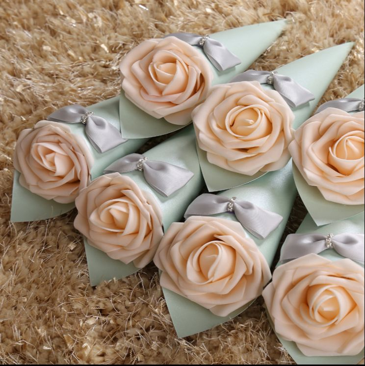 100x Light Green Cones Holder Bowknot Rose Ice Cream DIY Rose Wedding Favor Candy Boxes Gift Box Wedding Table Decoration(China (Mainland))