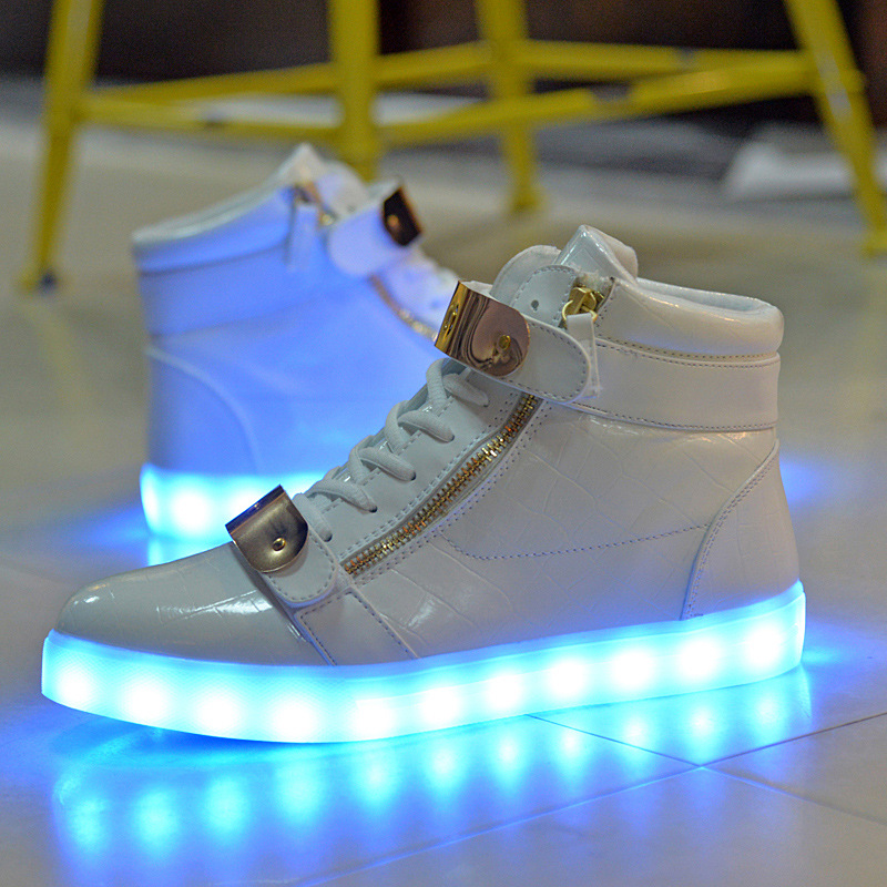 2016 fashion new Arrived led light lovers pu shoes casual Led shoes for adults women solid color shoes led luminous man shoes